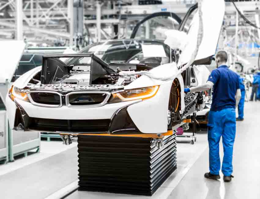 BMW i8 Plug-in Hybrid Coupe Performance Safety