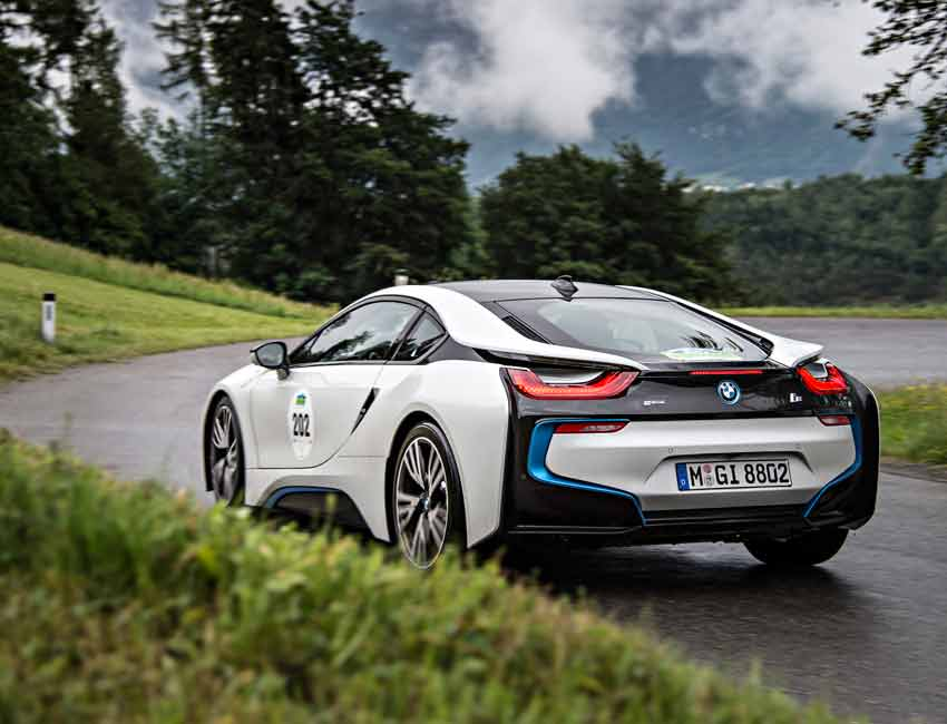BMW i8 Performance and Technology
